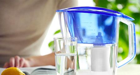 5 hlavních výhod používání filtrační konvice na vodu