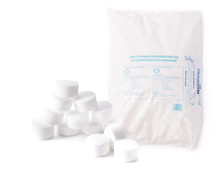 Tabletovaná soľ na regeneráciu do zmäkčovača vody